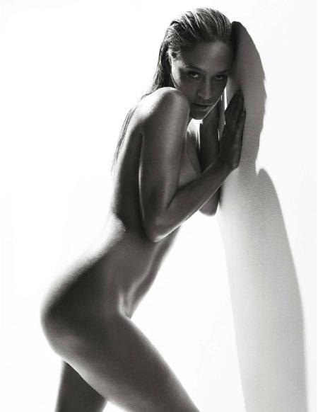 chloe_sevigny_naked_shoot2