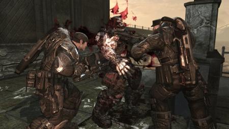 gears-of-war-2-screenshot-double-chainsaw-kill
