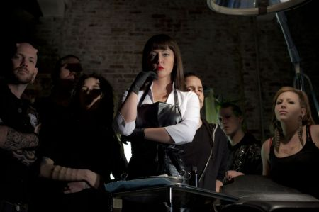 american_mary_crimson_quill (10)
