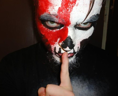 bloody_hand_print_skull_2_by_sicslipknotmaggot-d4gj9jo