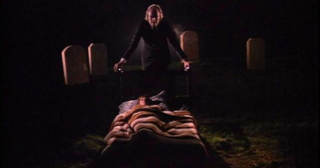 phantasm-horror-review-sphere (13)