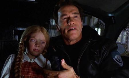 6th-day-2000-arnold-schwarzenegger-cindy-creepy-doll-adam