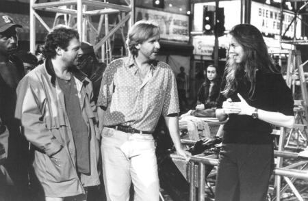 still-of-james-cameron-and-kathryn-bigelow-in-strange-days-(1995)-large-picture