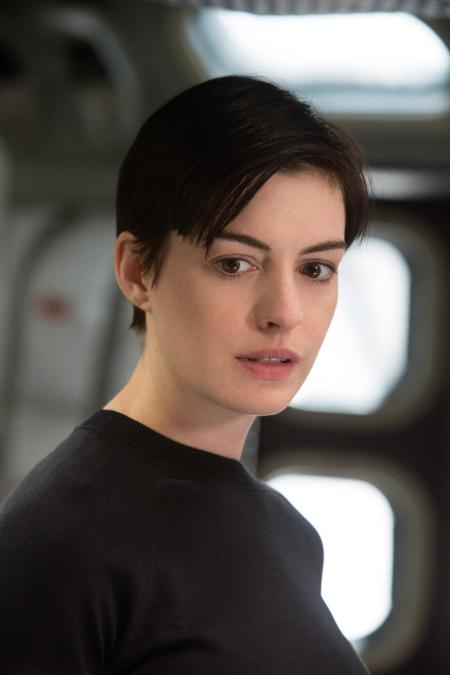 still-of-anne-hathaway-in-interstellar-(2014)-large-picture