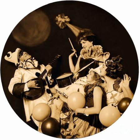 ziegfeld-model-by-alfred-cheney-johnston-pierrot-serenading-three-beautiful-sexy-women-old-black-a-r-muirhead-art