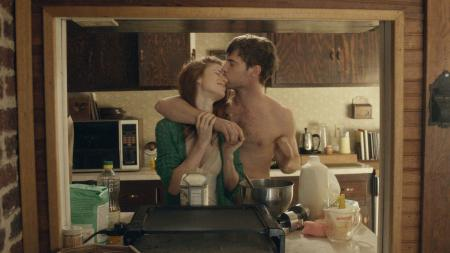 still-of-harry-treadaway-and-rose-leslie-in-honeymoon-2014-large-picture